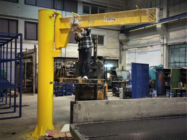 Slewing Pillar Crane, 1t