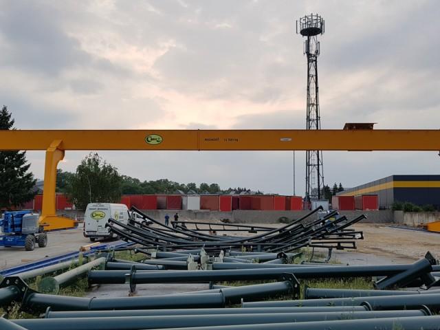 Portal Crane + Railway