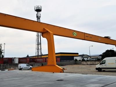 Single-Girder and Double-Girder Portal Cranes