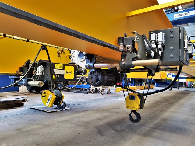 Installed Wire Rope STREET Hoists